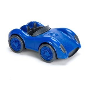 Green toy race car blauw