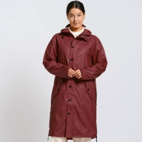 maium-raincoat-wine-red-klevering-2